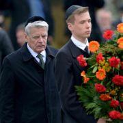 Gauck spricht in Bergen-Belsen von «unermesslicher Schuld» (Foto)