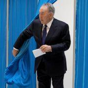 Kasachstans Präsident feiert Rekord-Wahlsieg (Foto)