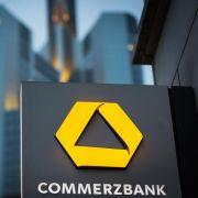 Commerzbank polstert Kapitaldecke auf (Foto)