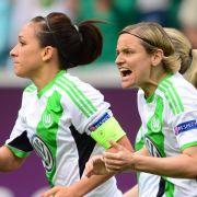 Wolfsburgerinnen feiern den Pokal! Ziehen Männer nach? (Foto)