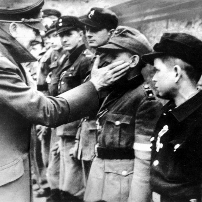 Adolf Hitler hatte starken Mundgeruch (Foto)