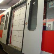 S-Bahn-Tür zugemauert: Wer macht denn so was? (Foto)