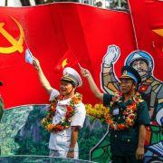 Vietnamesen feiern 40 Jahre Kriegsende (Foto)