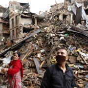 Retter klagen über Chaos in Nepal (Foto)