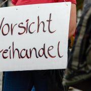 Zeitung: Gabriel legt Plan für TTIP-Handelsgerichtshof vor (Foto)