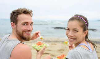 Veganer müssen sich in ihrem Urlaub nicht nur mit Salat begnügen. (Foto)