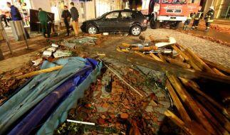 Tornado verwüstet Kleinstadt Bützow in Mecklenburg-Vorpommern. Zahlreiche Dächer und Autos wurden schwer beschädigt. (Foto)