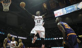 Dennis kann fliegen: Point Guard Schröder verhalf den Atlanta Hawks zum Sieg gegen die Wizards. (Foto)