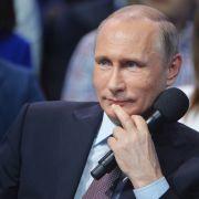 Der Fotobeweis: Wladimir Putin wird immer jünger (Foto)