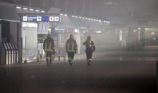 Roms Flughafen Fiumicino nach Feuer gesperrt (Foto)