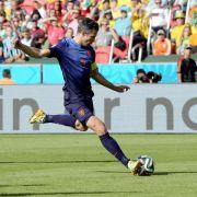 Platz 14: Der niederländische Torjäger Robin van Persie erhält bei Manchester United 18,7 Millionen Dollar (ca. 16,5 Millionen Euro).