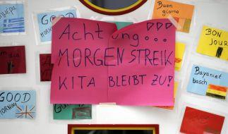 Schilder wie dieses könnten bereits ab Donnerstag in vielen öffentlichen Kindertagesstätten zu finden sein. (Foto)