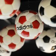Adidas-Management muss sich Kritik von Aktionären anhören (Foto)