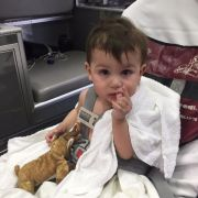 Baby in Müllcontainer entsorgt und gerettet (Foto)