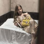 Modemarke wirbt mit Kinderpornos für Handtaschen (Foto)