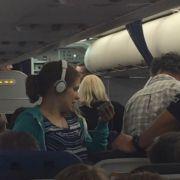 Notlandung! Pilot hat Angst vor behindertem Mädchen (Foto)