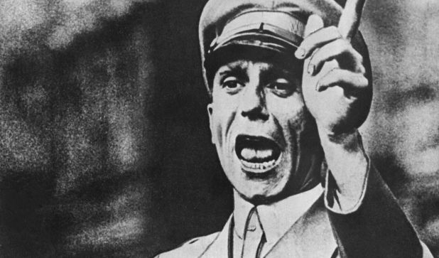 Goebbels' Sekretärin packt aus