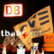 Bahn spricht mit GDL «hinter den Kulissen» - EVG will mehr Geld  (Foto)