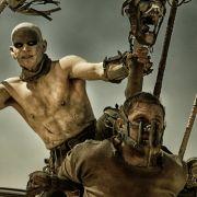 Max (Tom Hardy) kann sich den Fängen von Immortan Joe und seinem Warboy Slit (Josh Helman) nicht entziehen.