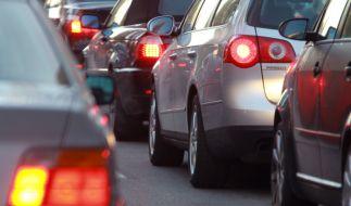 Um Christi Himmelfahrt herrscht auf deutschen Autobahnen reger Verkehr. (Foto)