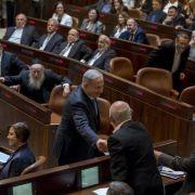 Netanjahus Regierung nimmt Arbeit auf (Foto)