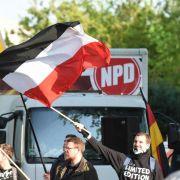 NPD-Verbotsantrag: Neue Unterlagen zu V-Leuten bei Gericht (Foto)