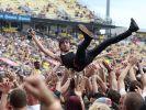 Beliebter Spaß auf Festivals: Crowd Surfing (Foto)