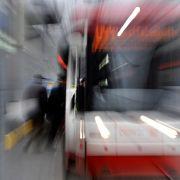 Straßenbahn schleift Mann drei Kilometer mit (Foto)