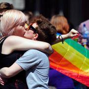 Homo-Ehen-Ja in Irland belebt Diskussion in Deutschland (Foto)