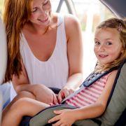 Achtung: Kindersitze versagen im ADAC-Check! (Foto)