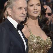Trotz einer zwischenzeitlichen Beziehungspause: Die Beziehung von Catherine Zeta-Jones und Ehemann Michael Douglas hält - auch bei einem Altersunterschied von 25 Jahren.