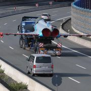 Eurofighter rollt auf Autobahn gen München (Foto)