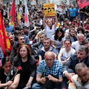 Türkische Regierungsgegner erinnern an Gezi-Proteste (Foto)
