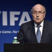 Sepp Blatter gibt Amt als FIFA-Präsident auf (Foto)