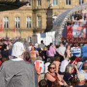 Politiker-Bühne beim Kirchentag eröffnet (Foto)
