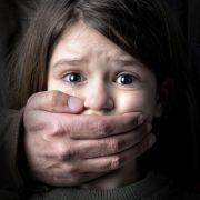Sohn übernimmt Vergewaltigungsopfer vom Vater (Foto)