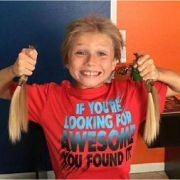 Trotz übler Kritik: Junge spendet Haare für Krebs-Patienten (Foto)