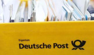 Briefträger und Paketboten streiken ab Montagnachmittag. (Foto)
