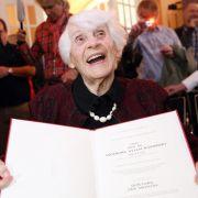 Nazis verboten Prüfung: Doktortitel für 102-Jährige (Foto)
