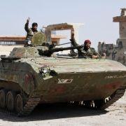 Aktivisten:Syrische Rebellen erobern Armeestützpunkt in Daraa (Foto)