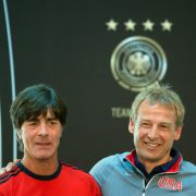 Jürgen Klinsmann und Joachim Löw auf Kuschelkurs (Foto)