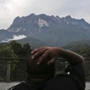 Priester schwören: Nackte Bergsteiger sind schuld (Foto)