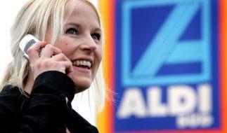 Bei Aldi kann man jetzt auch mit dem Handy zahlen. (Foto)