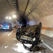 Frau dreht Looping im Autobahntunnel und verletzt sich schwer (Foto)