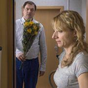 Wiederholung: Plattenbau-Romanze mit Charly Hübner (Foto)