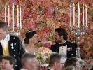 Glücklich vermählt! Sofia und ihr Prinz Carl Philip beim Dinner nach der Trauung. (Foto)