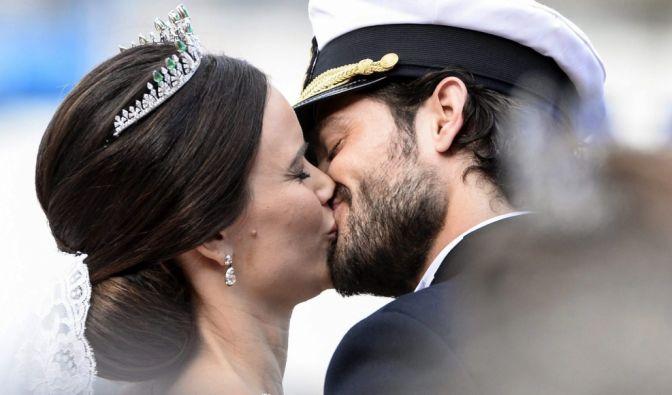 Der Kuss, auf den die Fans der schwedischen Royals gewartet haben.