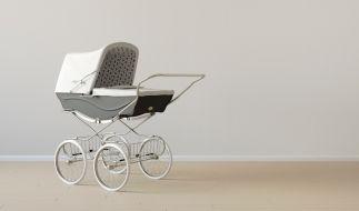 In Fulda legten Eltern ihr totes Baby in den Kinderwagen. (Foto)