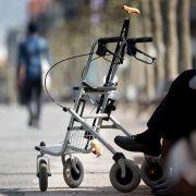 83-Jährige stürzt mit Rollator in Gully-Schacht - tot (Foto)