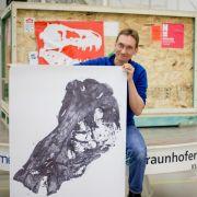 Forscher stecken riesigen Dino-Schädel in XXL-Röntgengerät (Foto)